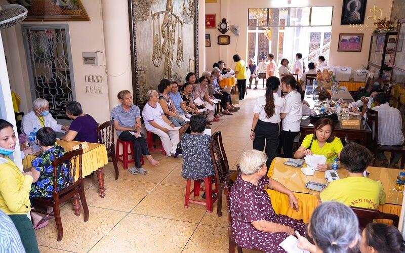 Tết trọn yêu thương cùng với DIVA GROUP khám bệnh miễn phí cho người nghèo 1