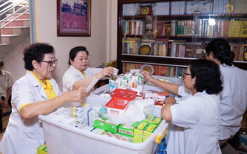 Tết trọn yêu thương cùng với DIVA GROUP khám bệnh miễn phí cho người nghèo 2
